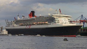 Queen Mary 2. Foto: © DerHexer, Wikimedia Commons, CC-by-sa 3.0