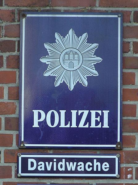 Polizei der Davidwache. Foto: Jom